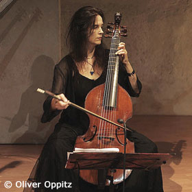 Hille Perl - Queen of Strings